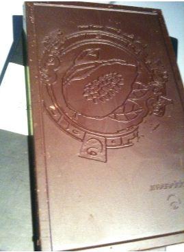 menavava chocolate bar decorated