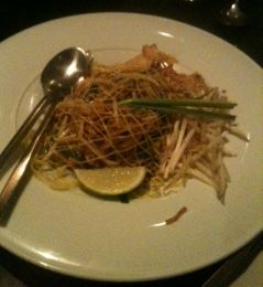 mango tree pad thai