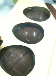 William Curley Small Filled Easter Eggs