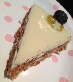 almondy cheesecake
