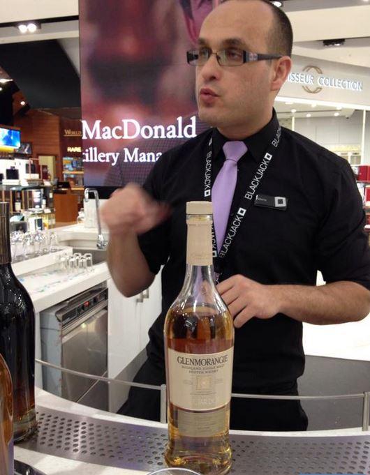 Roberto whisky World Duty Free