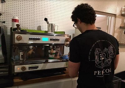percol barrista making my FREE latte