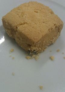 b-tempted shortbread cookie